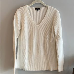 J. Crew White Sweater Size XS